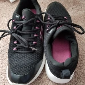 Sketchers memory foam walking sneakers girls